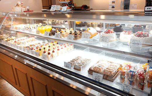 premium selection 112fa e9742 みなさまに愛される老舗の洋菓子店、アドリア洋菓子店。いろいろ ...